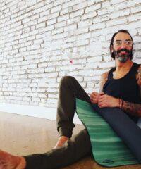 Mike & More wilde Kerle Yoga / Yoga / SupYoga