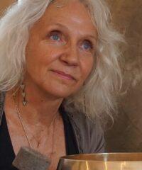 Emily Hess – Klangyoga