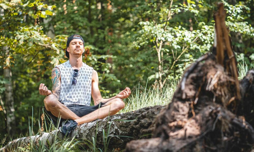 Wie bleibe ich gelassen und gleichmütig im Angesicht von Lügen, Katastrophen, Gewalt und dem Kali Yuga, in dem wir leben